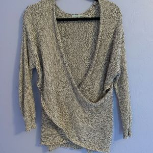 3 for $40 🌟🌟 UO KIMCHI BLUE Surplice Sweater